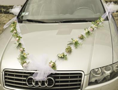 decoration voiture mariage capot